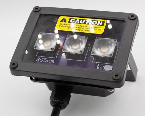 Quartz front element for maximum UV transmission