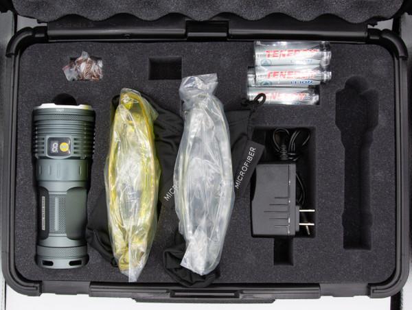 Dual-emitter high flux NDT inspection flashlight