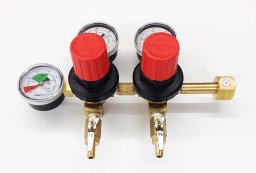 Regulator 2 Product 2 Pressure CO2 w/ Easy Turn Knobs