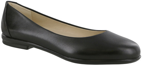 A black classic sleek ballet flat with removable footbed.