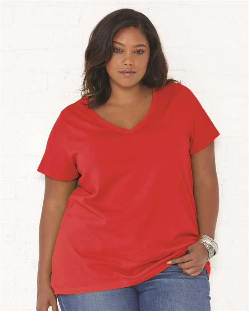 Woman's V-Neck Curvy Collection