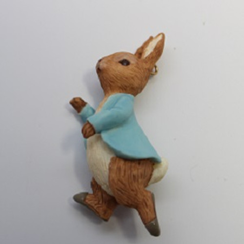 2001 Peter Rabbit