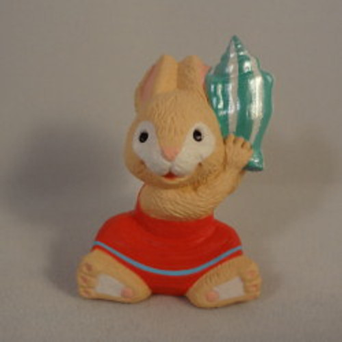 1993 Bunny With Seashell