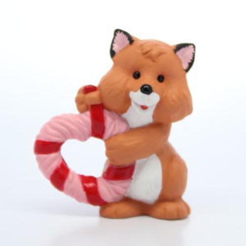 1993 Fox With Heart Wreath