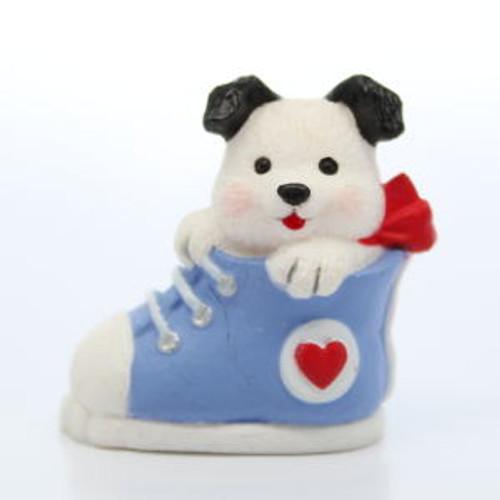 1991 Puppy In Sneaker