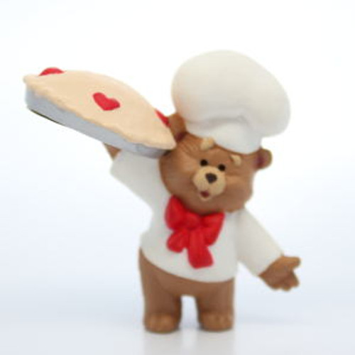 1989 Baker Bear With Pie