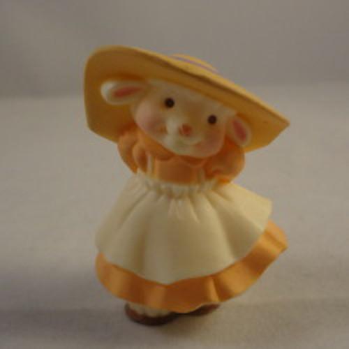 1987 Colonial Girl Lamb