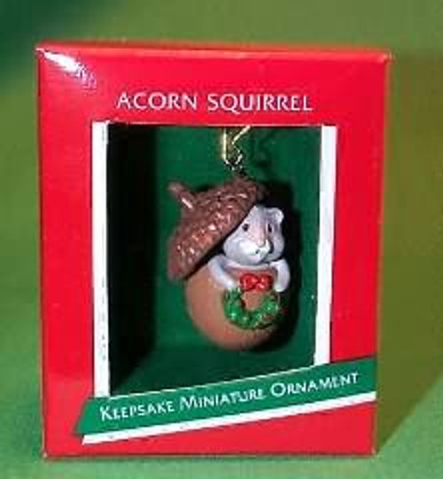 1989 Acorn Squirrel