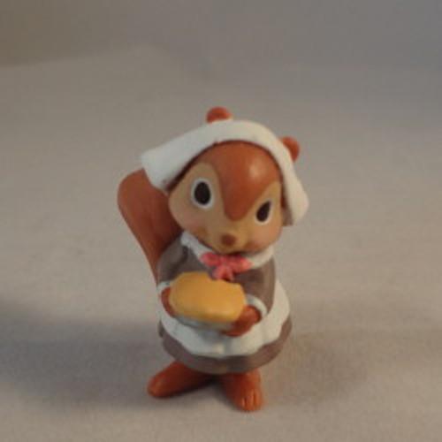 1986 Mrs. Pilgrim Squirrel