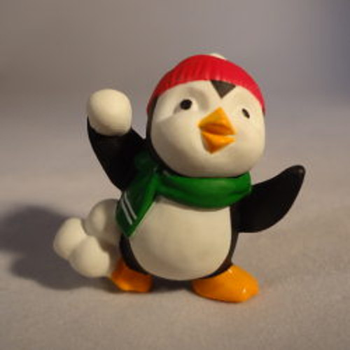 1994 Penguin With Snowball