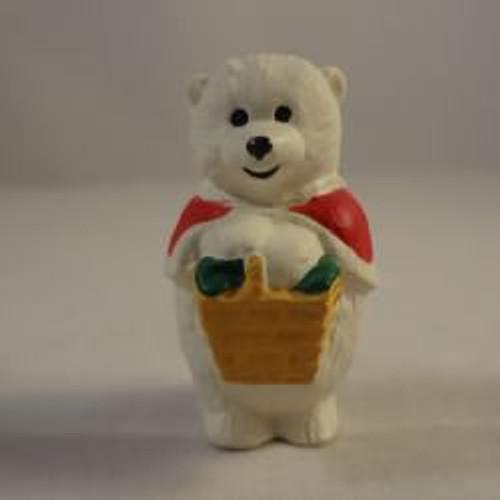1990 Mama Polar Bear