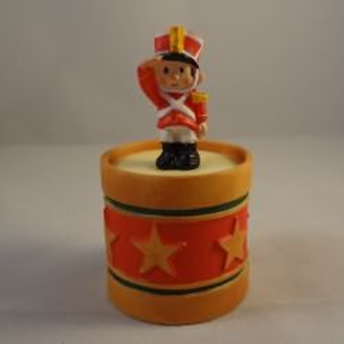 1985 Soldier On Drum Container