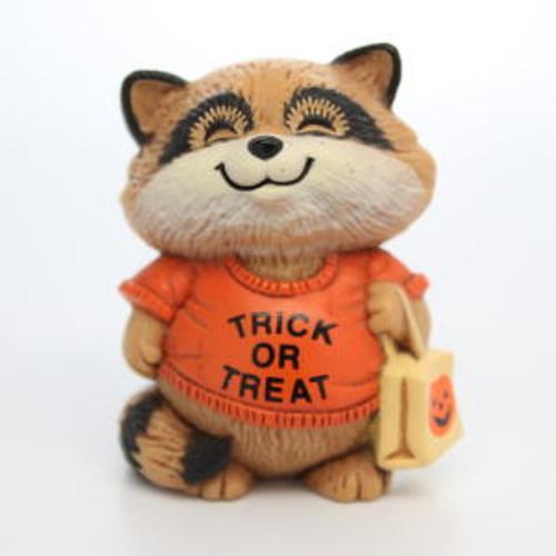 1983 Shirt Tales Raccoon