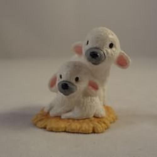 1988 Nativity Lambs