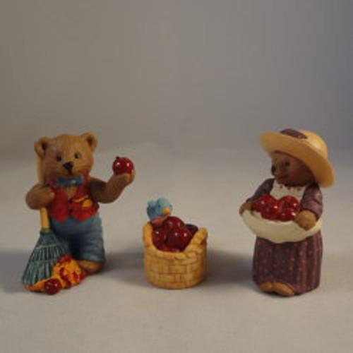 1997 Apple Harvest Set Of 3