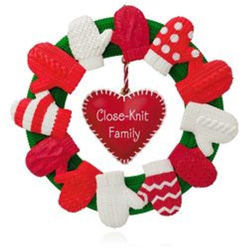 2015 A Close-Knit Family