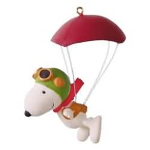 2016 Peanuts - Paratrooper Snoopy