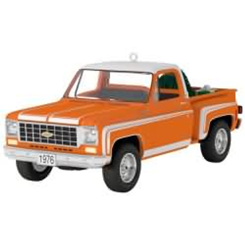 2017 All American Trucks #23 - 1976 Chevrolet C-10 Sport Hallmark ornament - QX9242