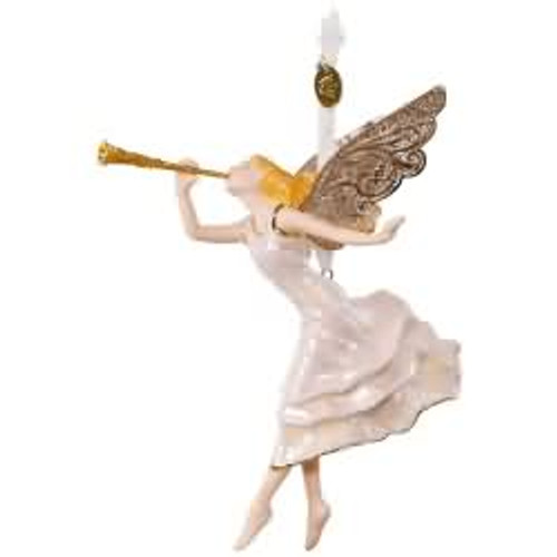 2017 Angel of Winter Wonder Hallmark ornament - QK1342