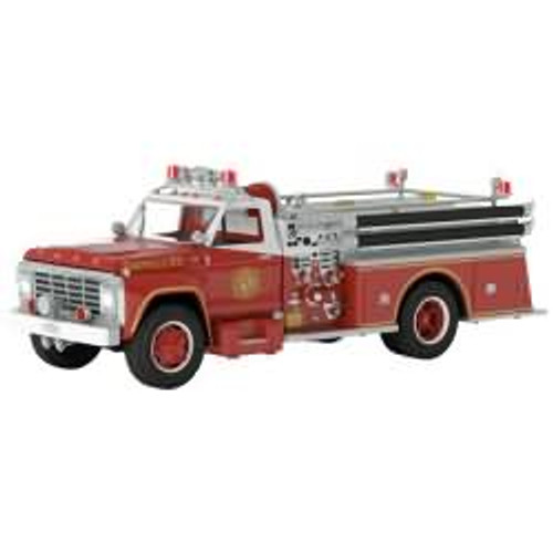 2017 Fire Brigade #15 - 1979 Ford F-700 Fire Engine Hallmark ornament - QX9252