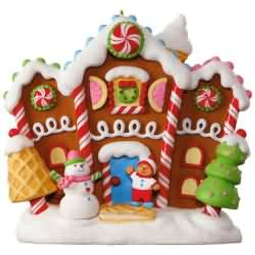 2017 Merriest House in Town Hallmark ornament - QGO1202