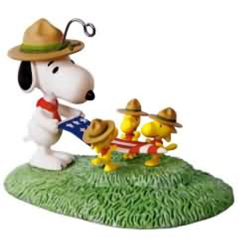 2017 Peanuts - Flag Folding Ceremony Hallmark ornament - QXI3295