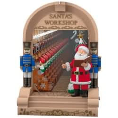 2017 Santa's Workshop Hallmark ornament - QGO1224