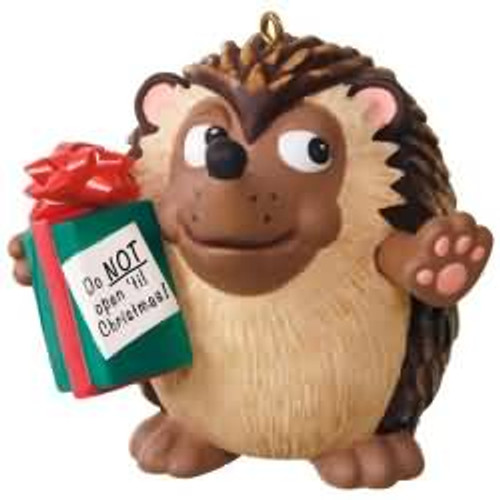 2017 U Can't Touch This Hallmark ornament - QGO1042