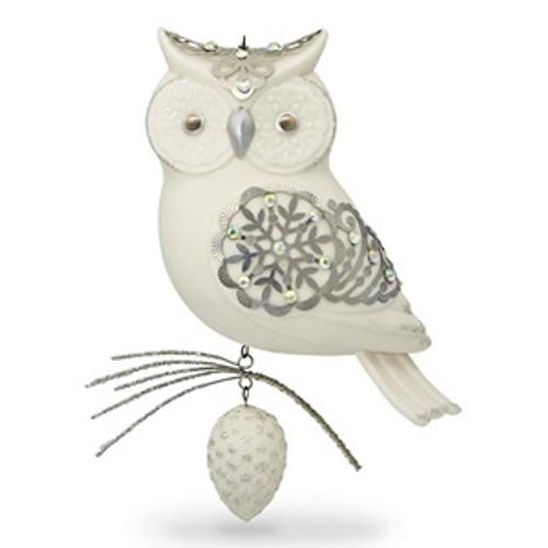 2017 Winter White Owl - Ltd (QXE3165)