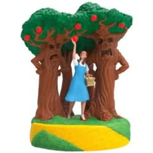 2017 Wizard of Oz - A Few Bad Apples Hallmark ornament - QXI3025