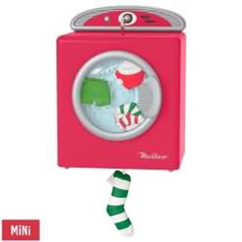 2017 Santa's Merry Machine Hallmark ornament