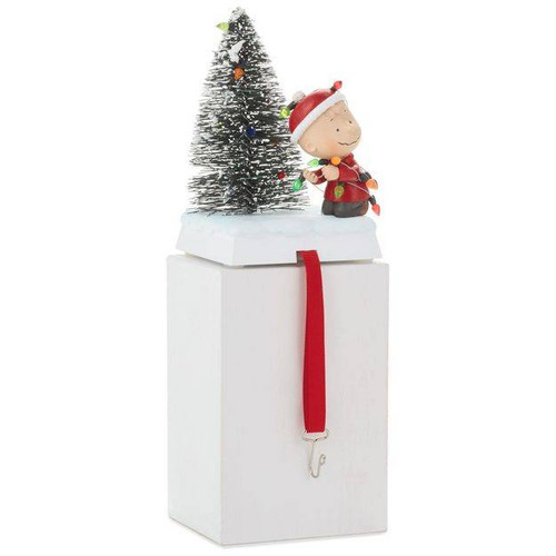 2017 Peanuts - Charlie Brown Stocking Hanger ( XKT1842)