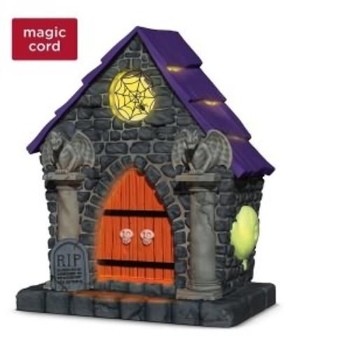 2018 Halloween - Ghostly Mausoleum