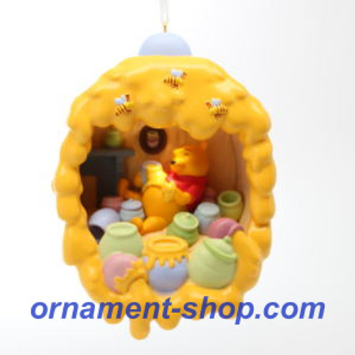 2019 Dinsey - Winnie the Pooh - Home is Where the Honey Is Hallmark ornament (QXD6217)