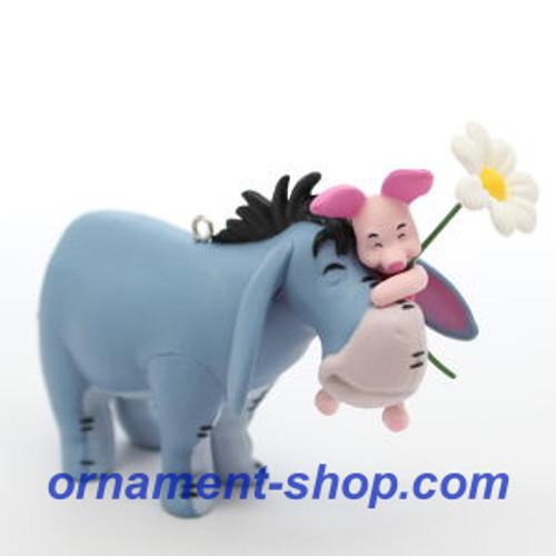 2019 Disney - Winnie the Pooh - A Hundred Acre Hug Hallmark ornament (QXD6227)