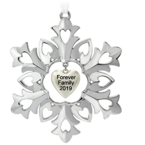 2019 Forever Family Hallmark ornament (QGO2119)