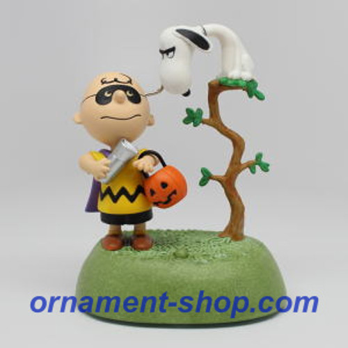 2019 Halloween - The Halloween Vulture - Peanuts Hallmark ornament (QFO5276)