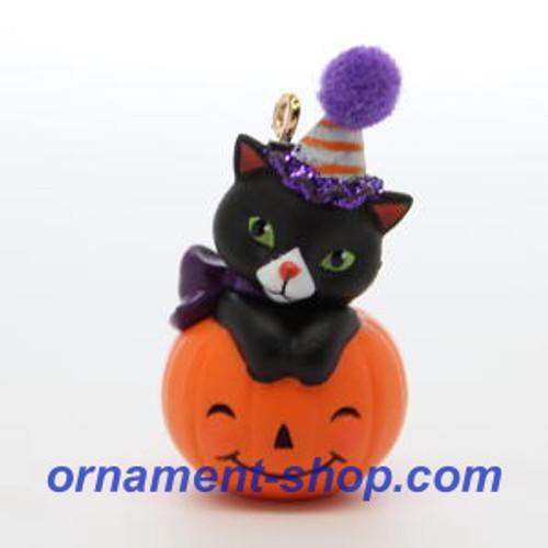 2019 Halloween - Tiny Black Cat - Miniature Hallmark ornament (QFO5279)