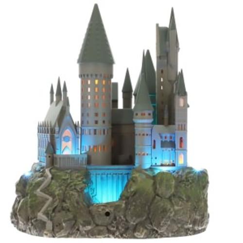 2019 Harry Potter - Hogwarts Castle Tree Topper Hallmark ornament (QXI3277)