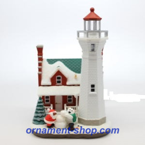2019 Holiday Lighthouse #8 Hallmark ornament (QXR9157)