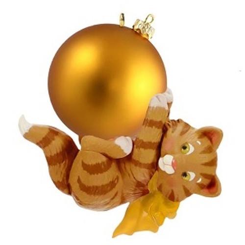 2019 Mischievous Kitten Surprise - Gold Hallmark ornament (QGO2339)