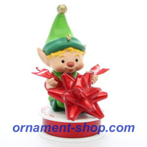 2019 North Pole Tree Trimmer #7 - Bow Hallmark ornament (QXR9047)