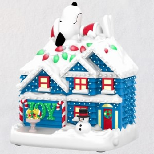 2019 Peanuts - The Merriest House in Town Hallmark ornament (QXI3707)