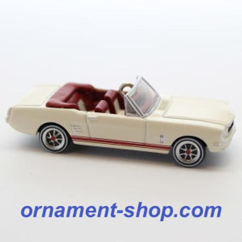 2019 Lil' Classic Cars #2 - 1966 Ford Mustang Hallmark ornament (QXM8267)