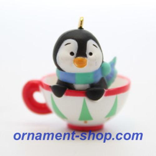 2019 Petite Penguins #4 - Cozy Cup Hallmark ornament (QXM8277)