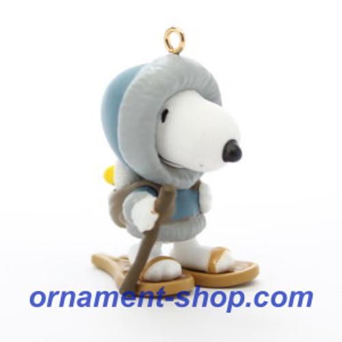 2019 Winter Fun with Snoopy #22 - Snow Shoes Hallmark ornament (QXM8367)