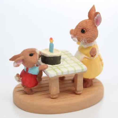1987 Bunnies with Birthday Cake (QFG8505)