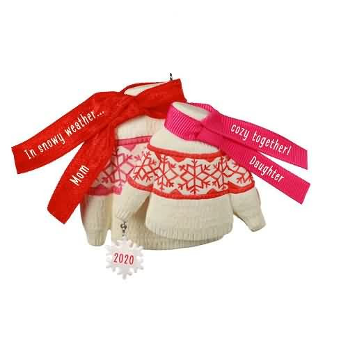 2020 Cozy Together - Mom and Daughter Hallmark ornament (QGO1691)