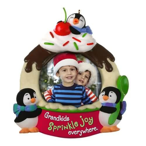 2020 Life's Sweeter with Grandkids Hallmark ornament (QGO1714)