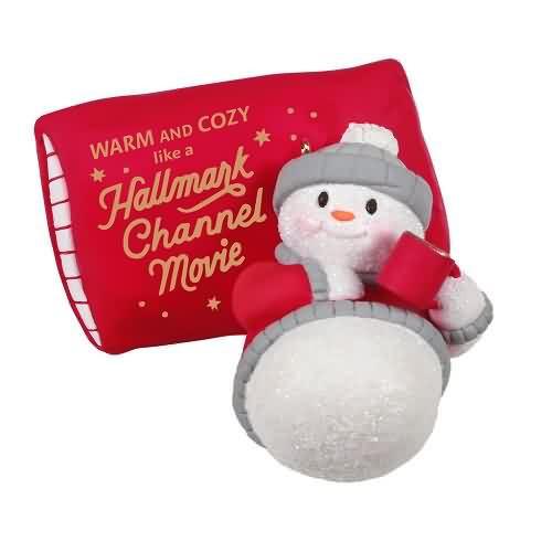 2020 Warm and Cozy Christmas Hallmark ornament (QGO6171)